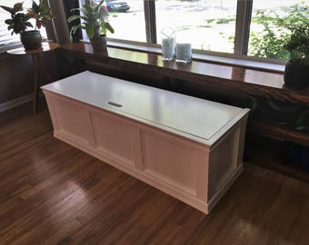 Window Bench with Flip-top Storage (Painted)