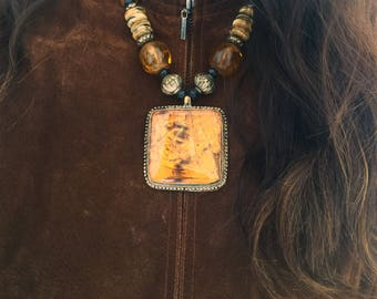Antique Fashion Amber Necklace