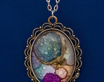 Charming pendant necklace