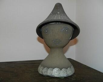 Elsi Bourelius keramik sculpture Flower Girl ? Gardarp /Jie Gantofta
