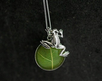 Sterling Silver Real Leaf TREE FROG necklace. Real leaf in resin with cute climbing frog. Jewelry for her.