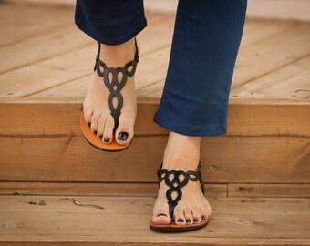 Noir cuir sandales, Sandales noires, sandales plates, chaussures, livraison gratuites pour l'été