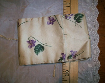 Needle case with violets 19th century silk