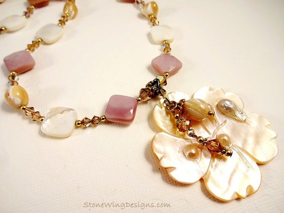 Natural, Pink and White Mother of Pearl Flower Necklace
