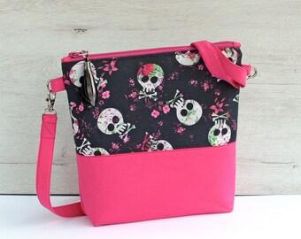 Pink shoulder bag, pink crossbody bag, detachable strap, skull purse, skulls bag, detachable strap bag, bag strap, skull crossbody bag,