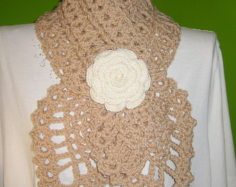 Beige scarf with a pink (cream)