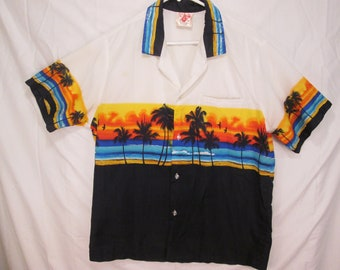 vintage, Casual Wear Hawaii palm trees and beach sunset chest print aloha shirt with hidden breast pocket mens size M