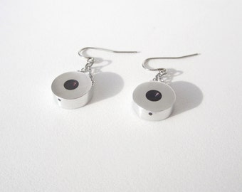 Minimalist Earrings – Contemporary Jewelry – Disc Earrings