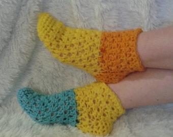 Mismatched socks, Mismatched crochet socks, crochet socks, gift for wife, thick yellow socks, cozy socks, hygge socks, valentine's day gift,