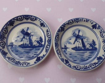 White Delft Blue 21, 2 small saucers