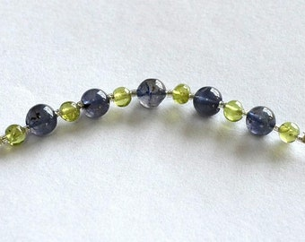 Beautiful 11 beads of Iolite and Peridot for a total of nearly 12 carats