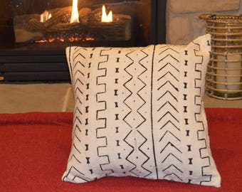 "16"", 20"" - African Mudcloth Pillow Cover; Bogolanfini Decorative Pillow, Black & White Mud cloth Throw Pillow from Mali -BF1004"