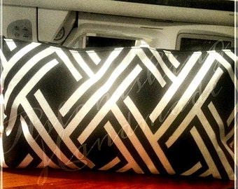 Medium Clutch - Black & White Cross Line