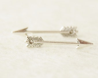 Silver Arrow Earrings / Silver Huntress Earrings / Simple Arrow Earrings / Arrow Silver Stud Earrings
