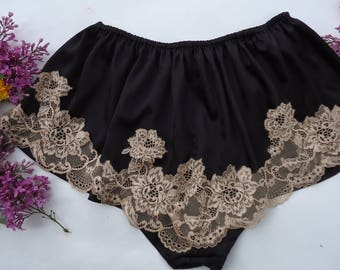 French knickers, satin knickers, satin pyjamas, black pyjamas, lace pyjamas, vintage lingerie, black  silk pyjamas, black knickers .