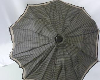 1940's Ladies Umbrella in Black/Tan Rayon