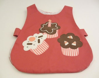 first birthday bib by chocolate soup  appliquéd cupcakes with one candle size 4