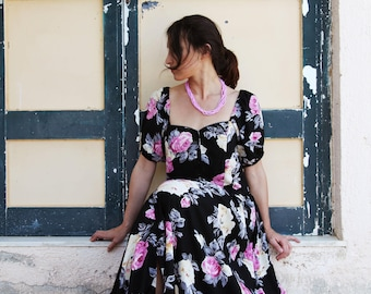 Vintage black floral beautiful viscose maxi gypsy dress.over size
