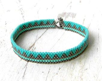 Delicate turquoise bracelet Thin dainty bracelet Everyday turquoise bracelet for her Modern minimalist bracelet Cute skinny beaded bracelet