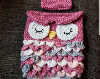 Owl cocoon / sleep sack and hat