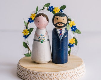 Cake topper. Wedding cake Topper. Personalized wedding cake toppers. Peg dolls. Custom Cake Toppers and Flower Arch. Boho cake