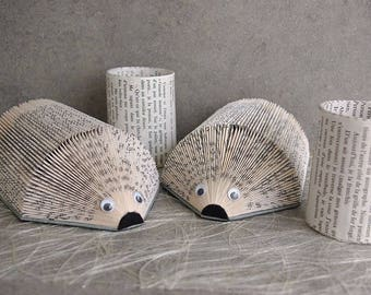 Each hers: set of 2 hedgehogs letter-rack and 2 jars with pencils