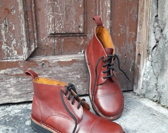 Blucher LORENA model for women. 100% handmade.