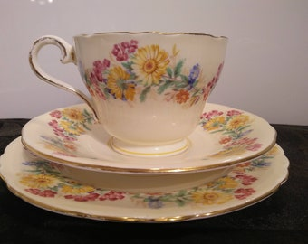 Vintage Aynsley Tea Cup ~ Saucer ~ Plate Trio 1960s England