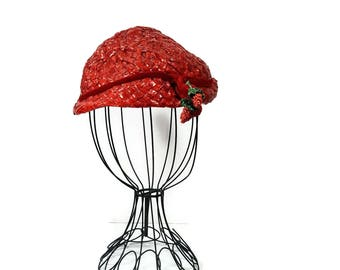 VINTAGE RED HAT Ladies Cello Straw Cloche with Strawberries Spring and Summer Hat Novelty Mid Century 1950s Red Straw Hat