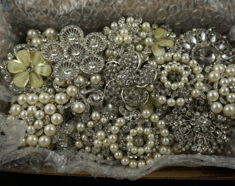 Lot of BROKEN Crystal Brooches/DIY/ Projects