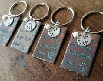 Set Personalized Copper Metal Stamped School Teacher Appreciation Key Chain It takes a big heart to shape Little Minds Graduation Christmas