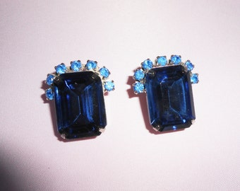 Blue Earrings, Rhinestone Earrings,Vintage Blue Earrings, Costume Jewelry, Glamorous Earrings, Blue Jewelry, 1980s, Blue Rhinestone Earrings