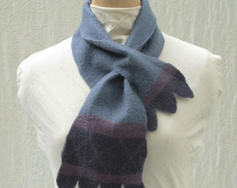 French Balloon Scarflette - Hand Felted Merino Wool - Wool Scarf - Scalloped - Multicolor