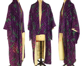 Silk Watercolor Grape Leaves Kimono Vintage 1970s Asian Duster Long Butterfly Sleeve Traditional Japanese Robe Ethnic Bohemian Art Nouveau