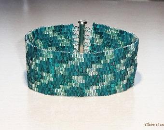 Teal cuff bracelet. Peyote stich.