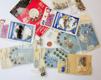 Nice Bunch of Vintage Metal No Sew Snap Fasteners, some decorative
