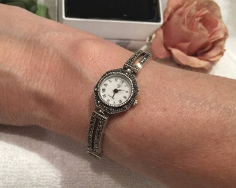 Beautiful Vintage Solid Sterling Silver-BLACK ONYX and MARCASITE-Round Faced Bracelet Wrist Watch-Roman Numerals Mark the Hours-26.08 grams