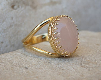 Rose Quartz Ring, Pink Oval Ring, Oval Soft Pink Gemstone Ring, Gold Filled Pink Ring, Women's Rose Quartz Solitaire Ring, Ellipse Gold Ring