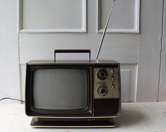 """Vintage Portable TV - Zenith 9"""" Television -  Spirit of '76 Bicentennial - AC - Battery - Faux Bois and Gold TV"""