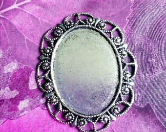 1 support for cameo or cabochon in antique silver