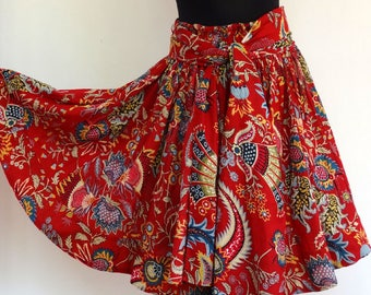 Short skirt red and multicolored cotton Paisley, 36 pieces with scarf / matching belt