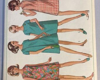 7484 Simplicity Ladies Wrap Around Vintage Dress Pattern   Size 10