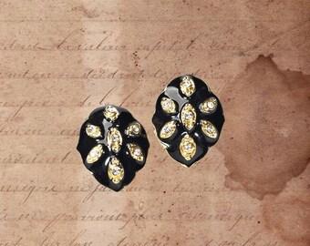 Noble Vintage Earrings enamelled, Vintageschmuck