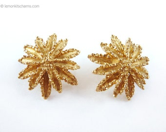 Vintage Avon Starburst Earrings, Sunburst Flower, Jewelry Clip On Style, Goldtone Gold, Floral , 1960s 1970s