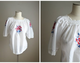vintage 80s embroidered bohemian mexican oaxacan style peasant blouse -- womens medium