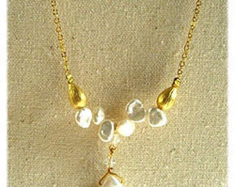 white fresh water pearls Necklace