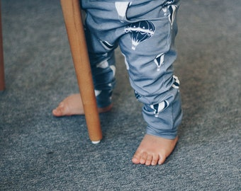Organic cotton GOTS blue baby pants with hot air balloon print, toddler pants, children pants, boy pants, boy trousers, baby leggings