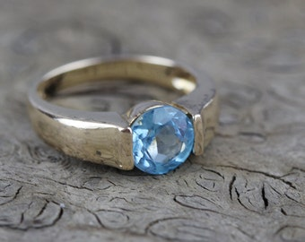 Blue Round Cut Glass Set Stone in  Sterling Silver 925 Ring Which Has a Gold Plated Surface US size 5.25 UK size K