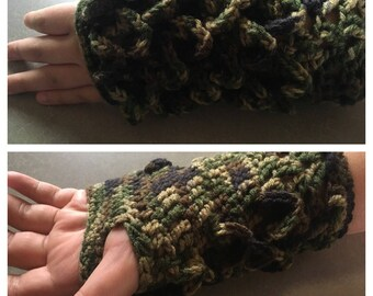Dragon Scale Gloves, Large