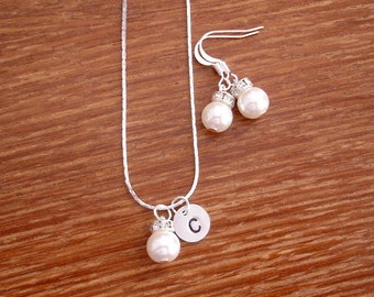 5 Simple Elegant Pearl and Initial Disc Bridesmaid Jewelry Gifts - Necklace and Earrings, Weddings